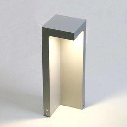 Absinthe LED garden post Beak 40