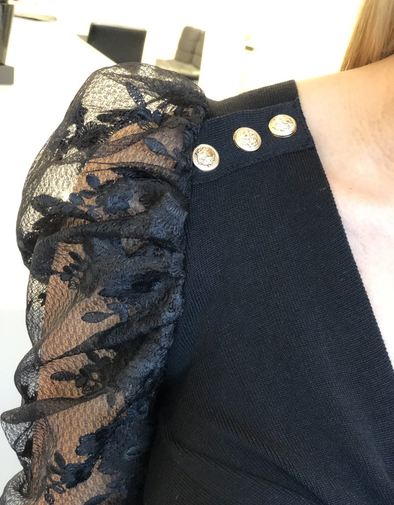 Button Top met kanten mouwen