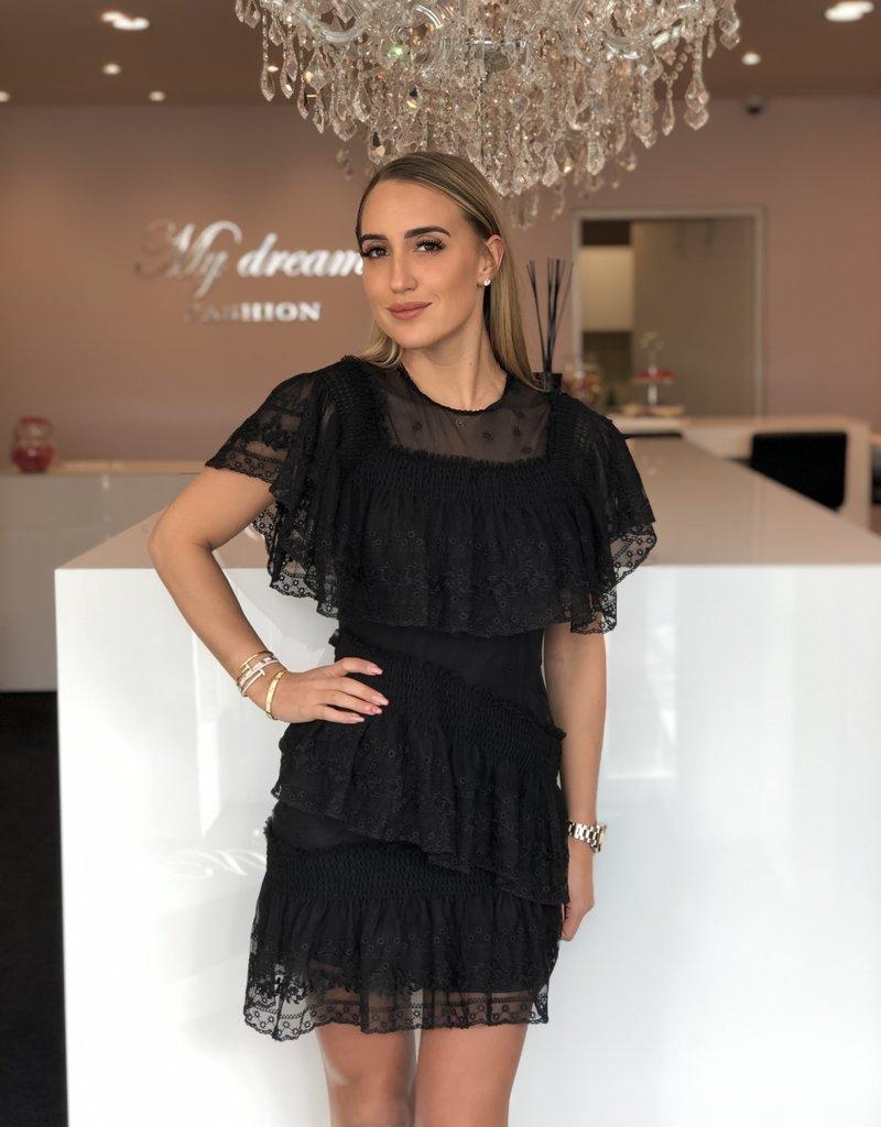 Mouwloos kant jurkje zwart