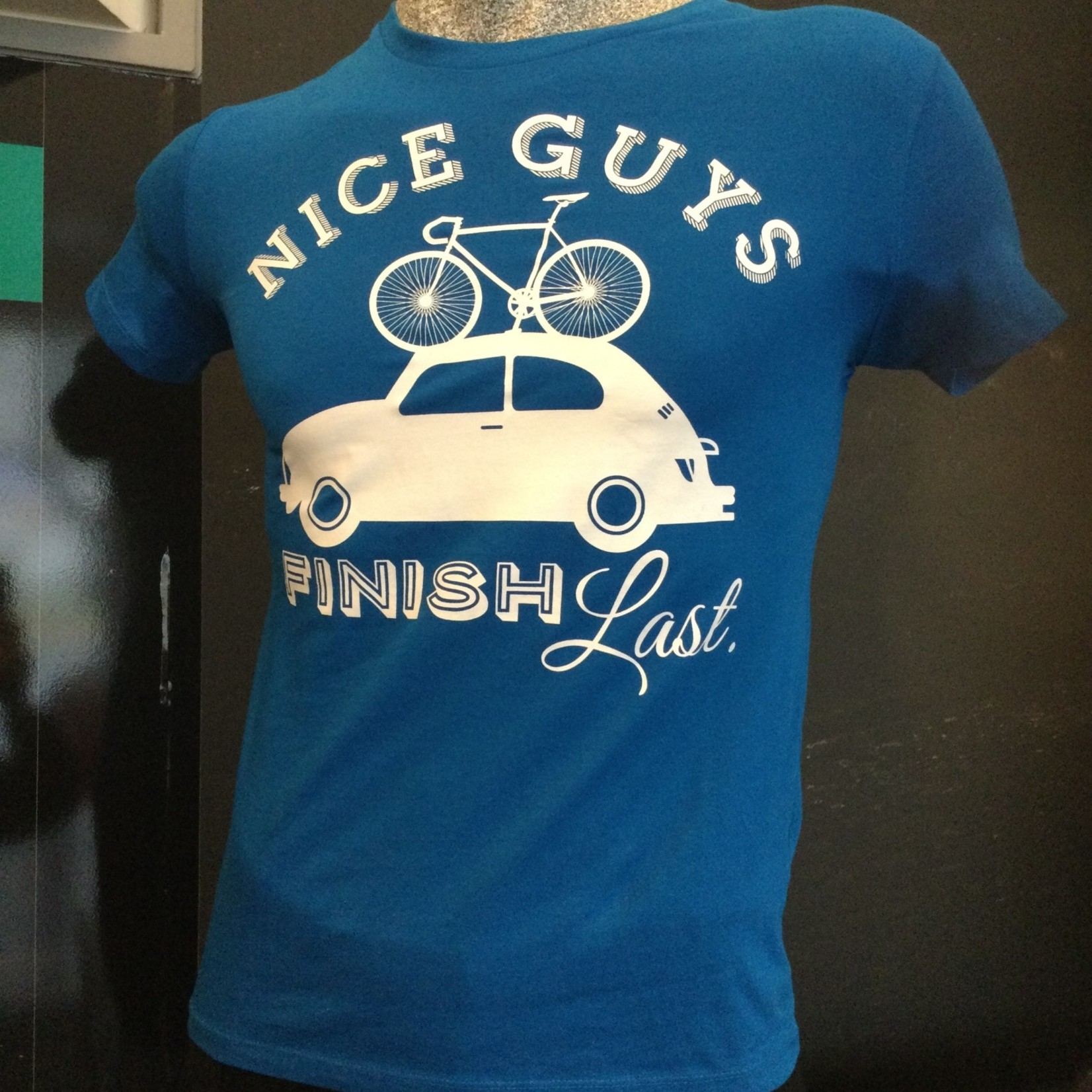 T-shirt 'Nice guys finish last'