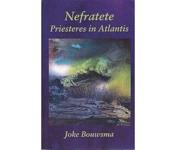 Nefratete Priesteres in Atlantis
