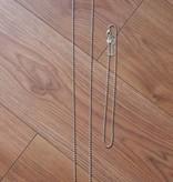 Twee zilverkleurige kettingen
