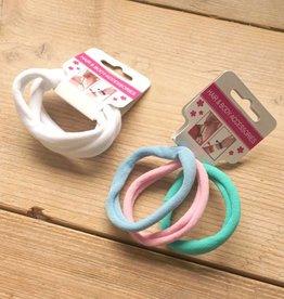 Kleurige en witte elastieken