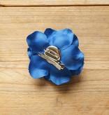 Kobalt blauwe corsage
