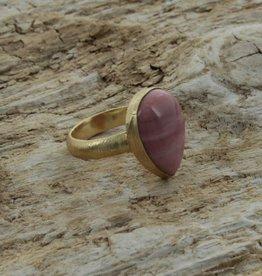 Treasure Rookie Wild drop ring pink opal