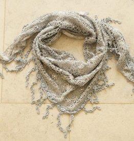 Grijze kanten sjaal