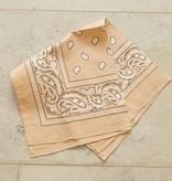 Peachkleurige bandana