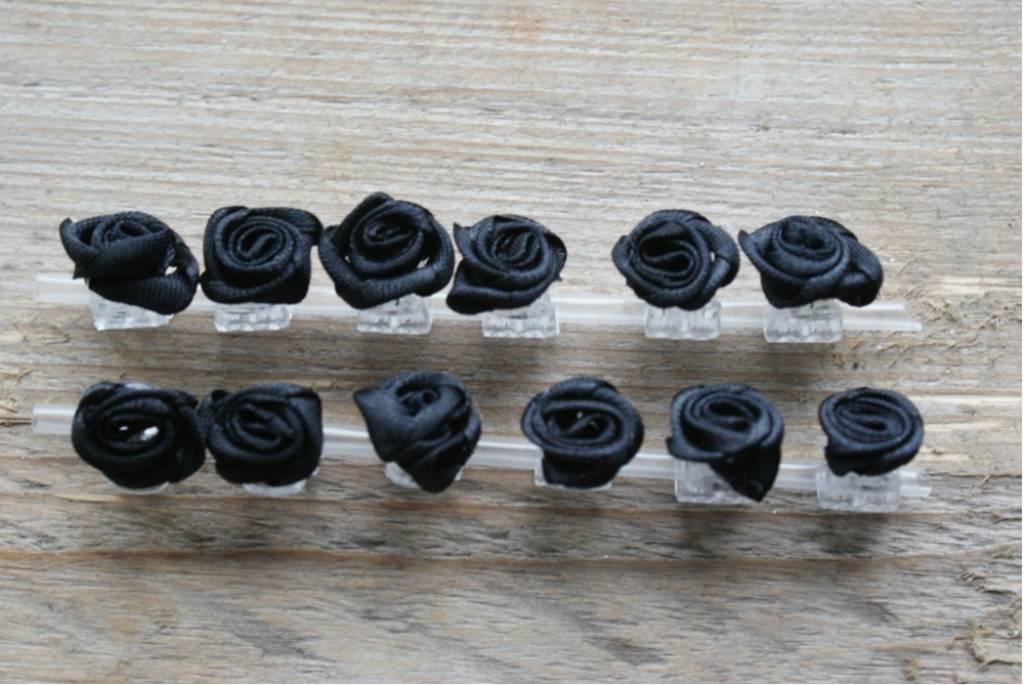 Klemmetjes met zwarte roosjes (12)