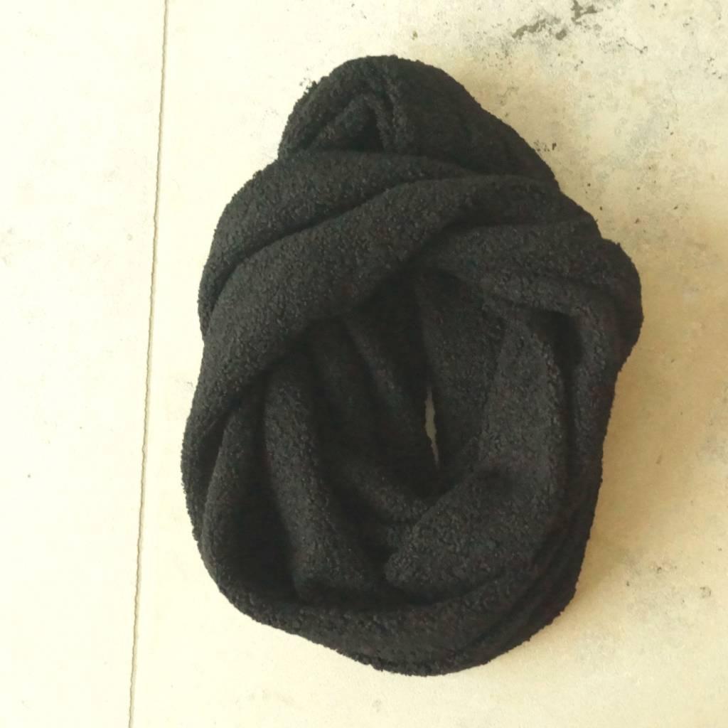 Zwarte teddy colsjaal