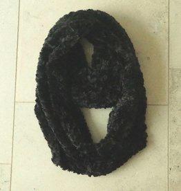 Zwarte colsjaal furry