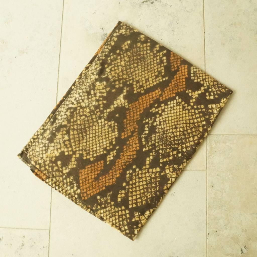 Okergele sjaal snake