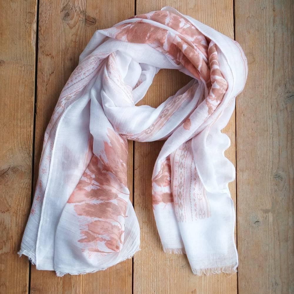 Witte sjaal met roze veren