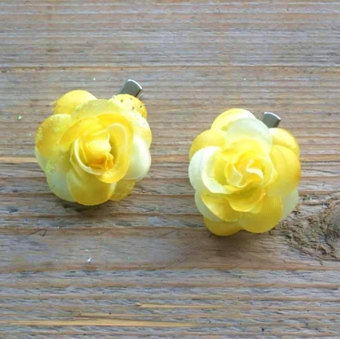 Kleine gele bloemetjes (2 stuks)
