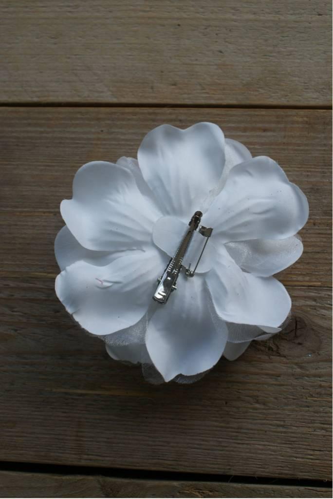 Witte bloem corsage