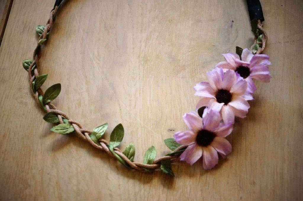 Lila bloemhaarbandje