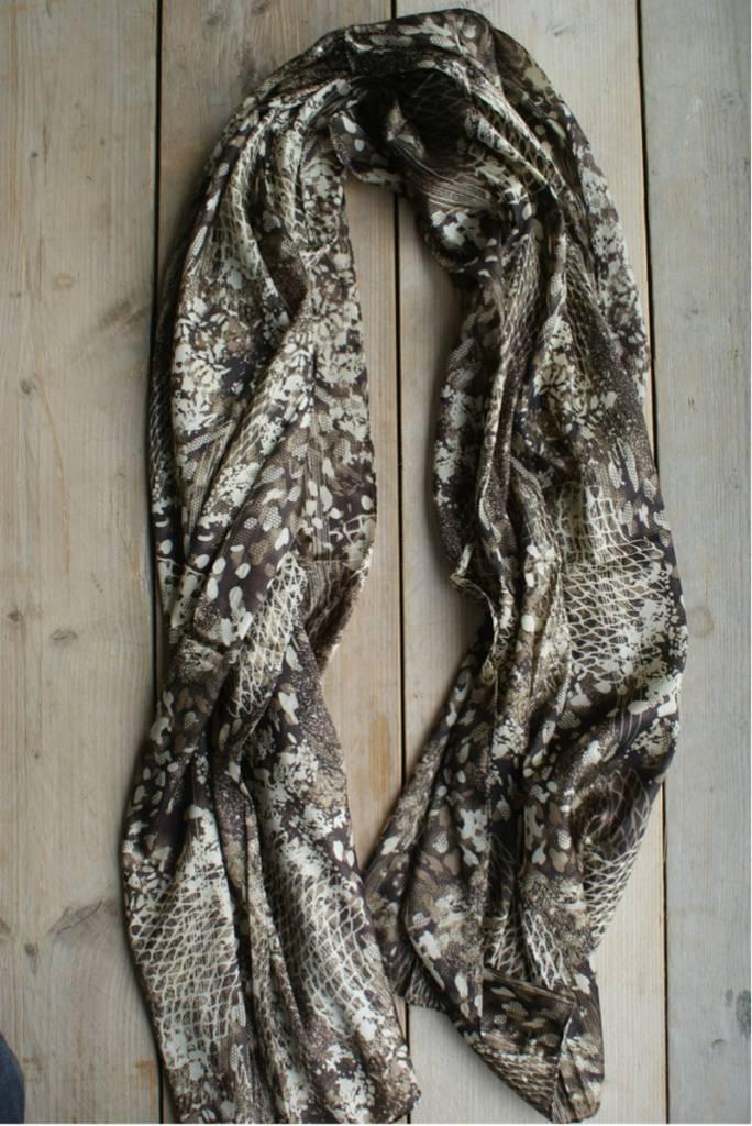 Licht bruine sjaal (glanzend)