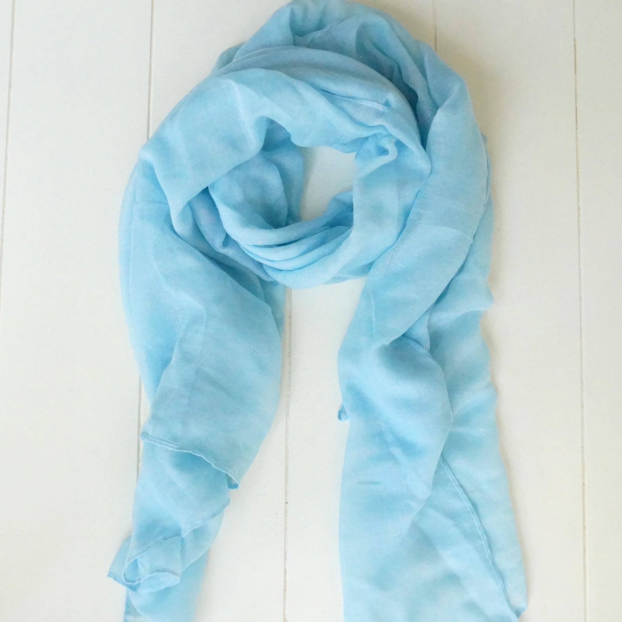 Licht blauwe sjaal