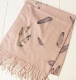 Licht roze sjaal veren
