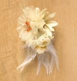 Luxe bloemcorsage creme