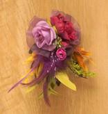 Luxe bloemcorsage paars