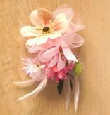 Luxe bloemcorsage licht roze