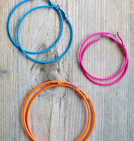 Creolen roze, blauw en oranje