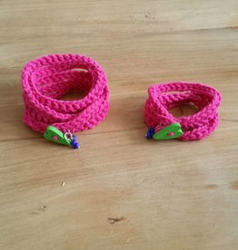 Felroze wikkelarmbandjes (mama&dochter)