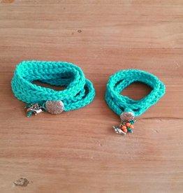 Turquoise wikkelarmbandjes (mama&dochter)