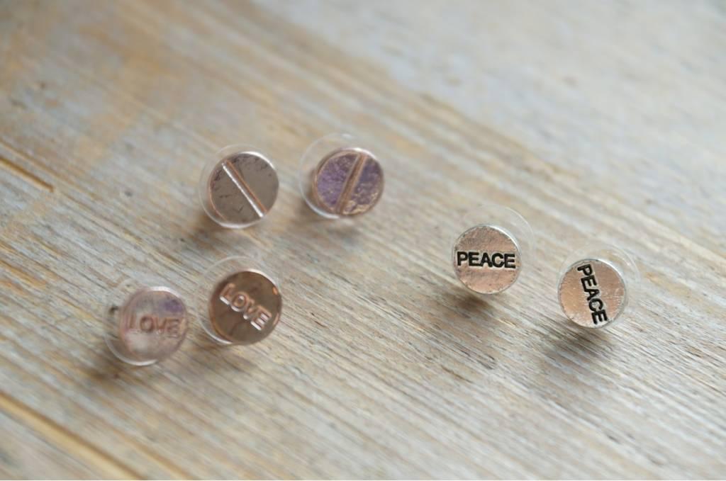 Love en peace oorbelletjes (3 paar)