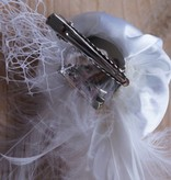 Witte bruidscorsage roos