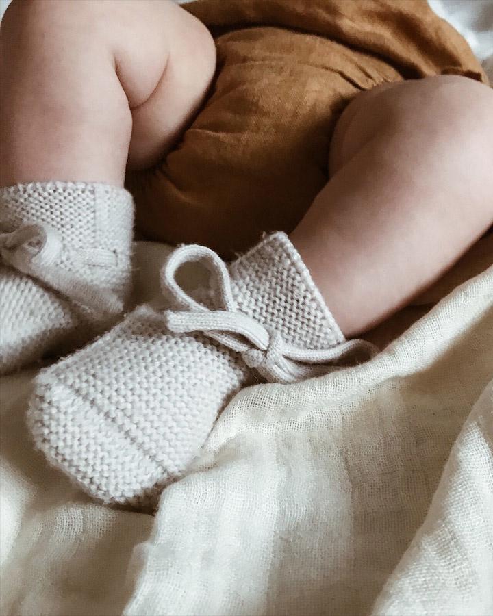 Hvid slofjes van merino wol brick: geen koude baby voetjes! Ziloen