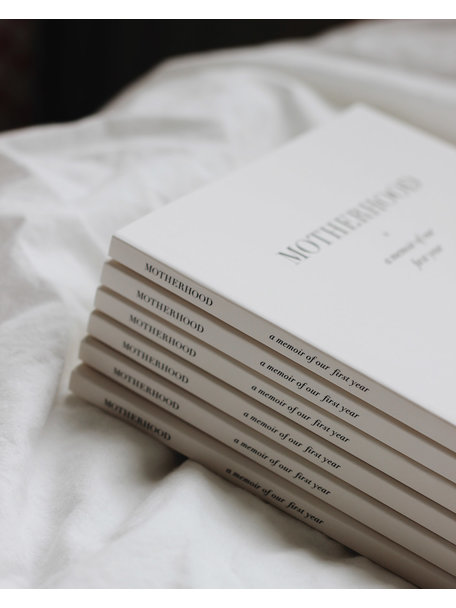 Boeken & Kaarten Carolijn Braeken - Motherhood, a memoir of our first year