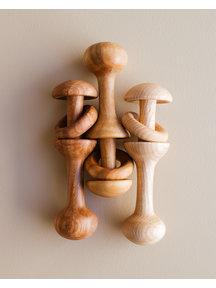 OK Handgemaakte houten rammelaar