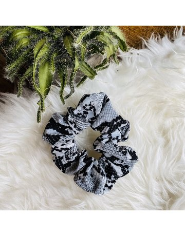 WHAT THE SNAKE - WHITE SCRUNCHIE