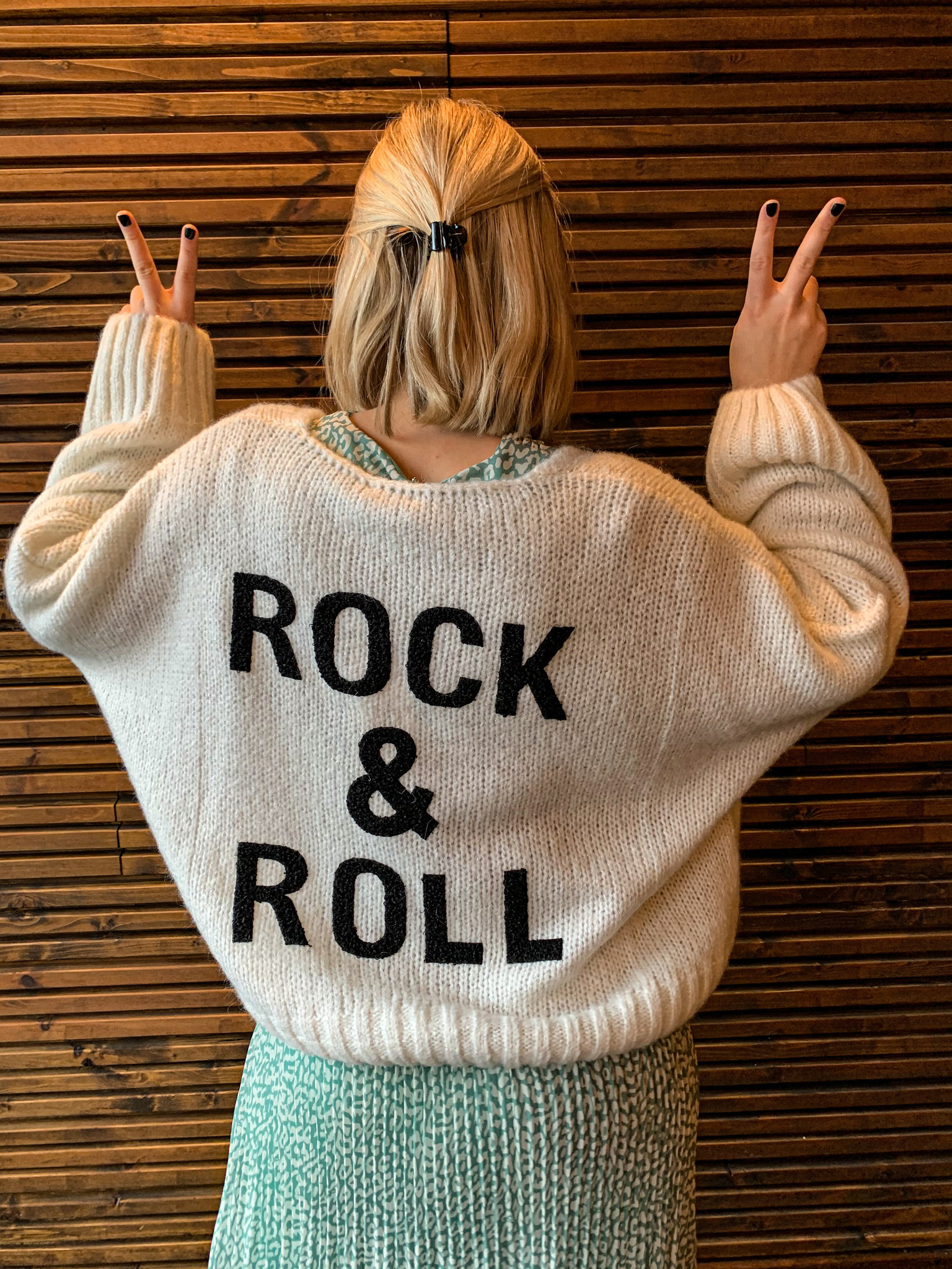 ROCK AND ROLL TRUI - WIT
