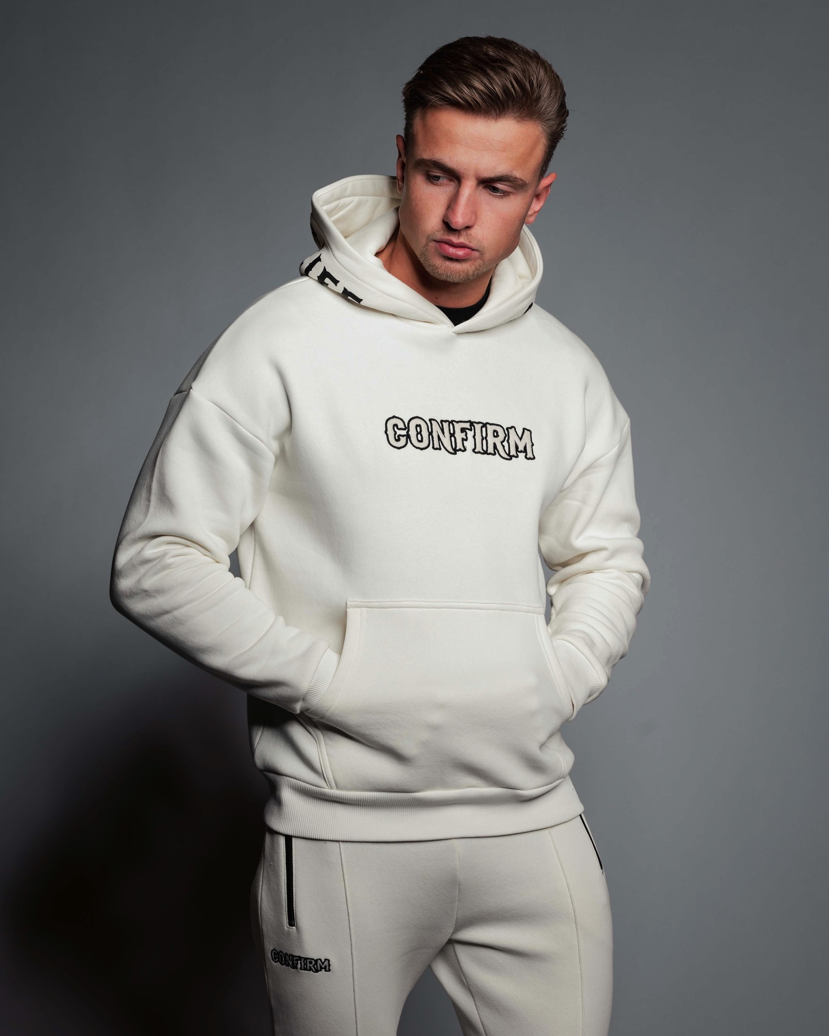 Confirm  hoodie Bandit  - off white-1