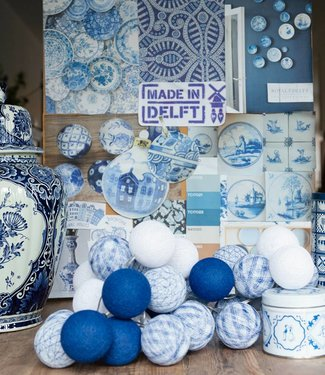 COTTON BALL LIGHTS Regular Lichterkette - Delft Blauw