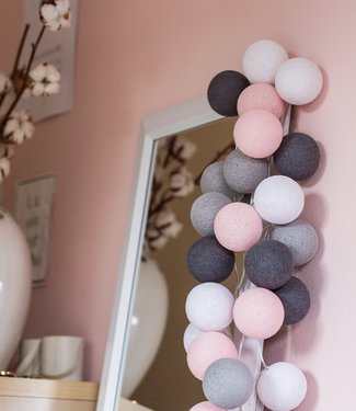 COTTON BALL LIGHTS Regular Lichterkette - Pink/Grey