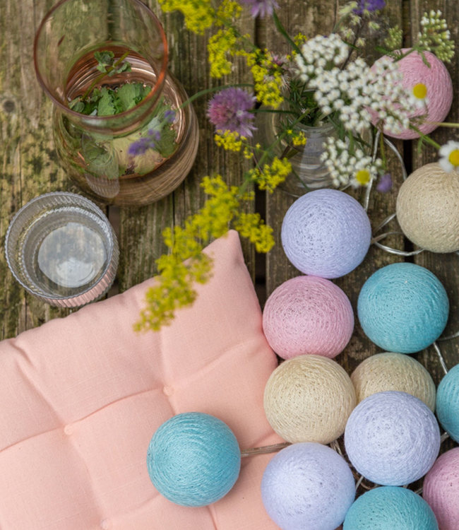 COTTON BALL LIGHTS Outdoor Lichterkette - Pastel
