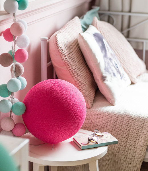 Inspiration | Kids Room | Bright Pink Standing Lamp