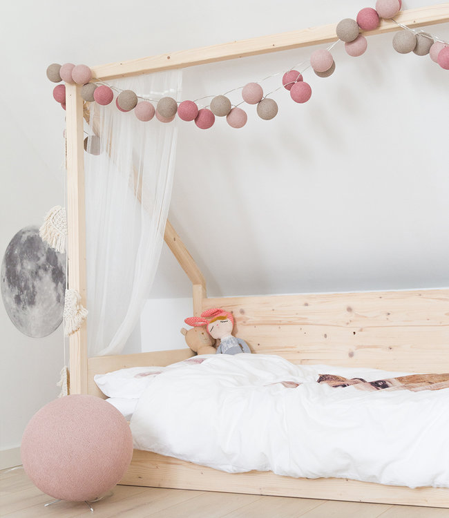 Inspiration | Kids Room | Pale Pink Standing Lamp 2