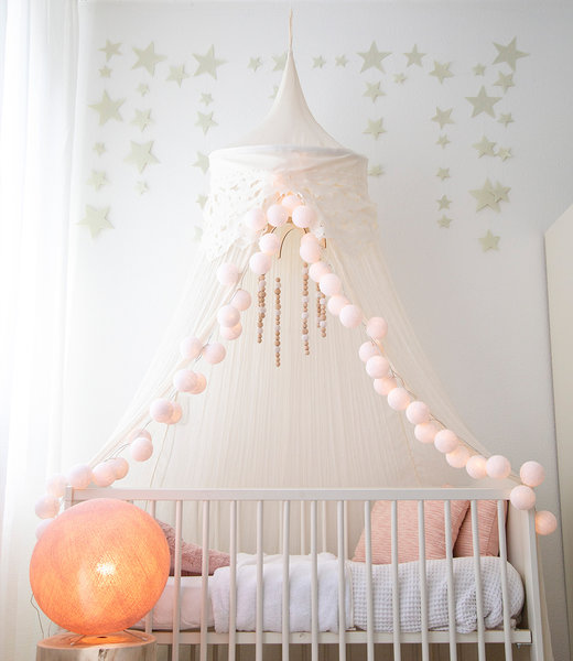 Inspiration | Kids Room | Light Pink Standing Lamp