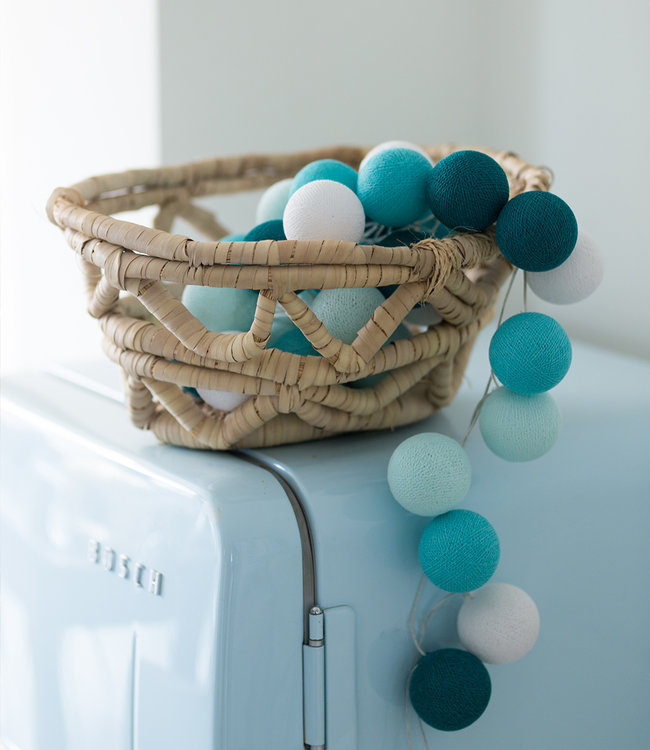 COTTON BALL LIGHTS Inspiratie | Keuken | Regular Aqua Lichtslinger
