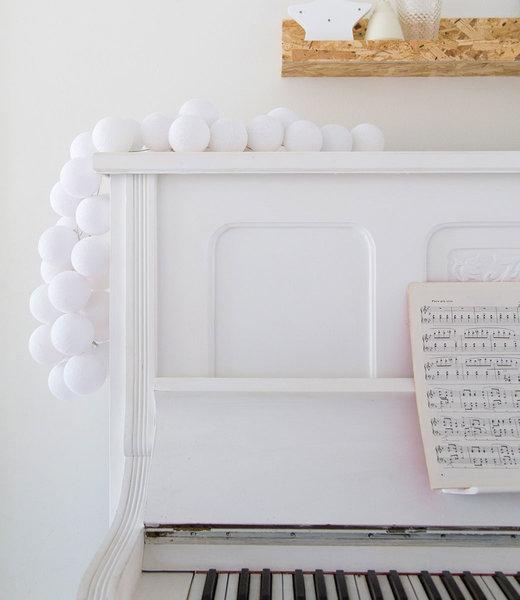 COTTON BALL LIGHTS Inspiration | Living Room | Regular White String Light