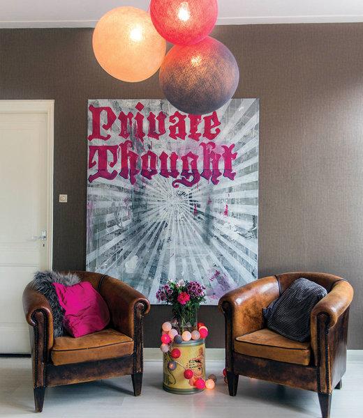 COTTON BALL LIGHTS Inspiration | Wohnzimmer | Bright Pink Shell Stone Triple Hanging Lamp