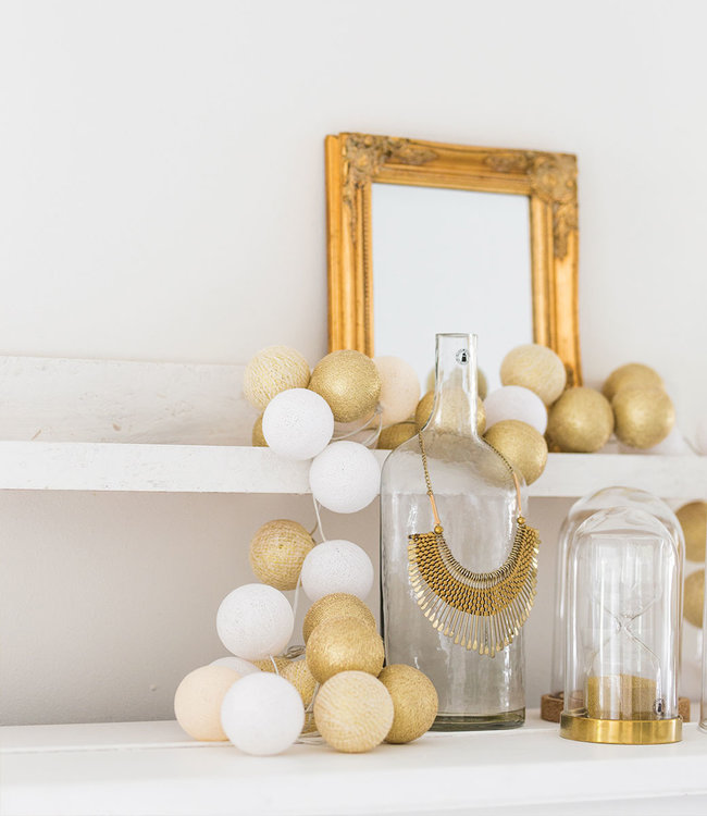 COTTON BALL LIGHTS Inspiratie | Woonkamer | Regular Touch of Gold lichtslinger