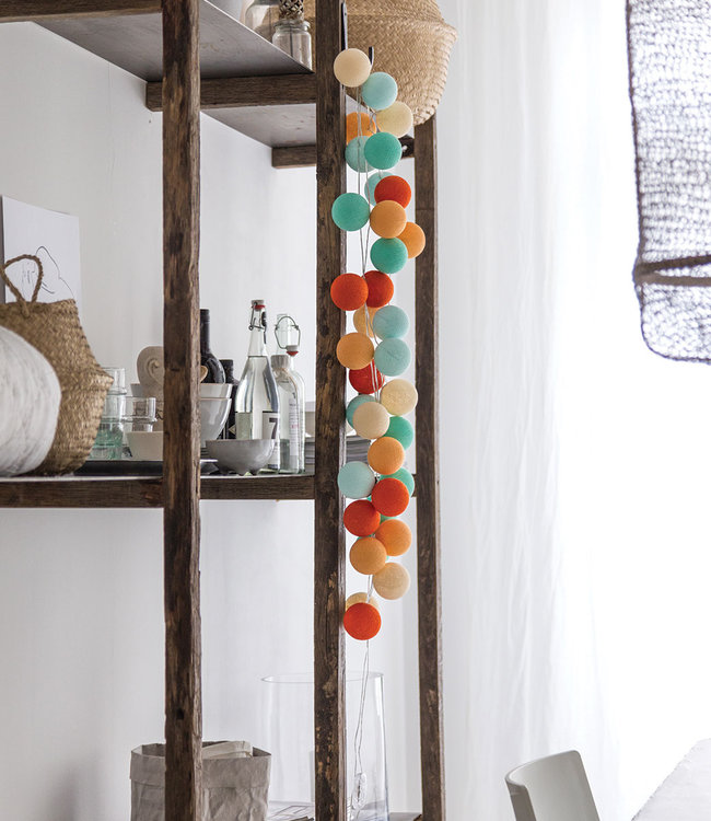 COTTON BALL LIGHTS Inspiratie | Woonkamer | Regular Sunset lichtslinger