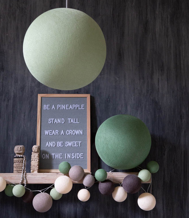 COTTON BALL LIGHTS Inspiratie | Woonkamer | Powder Green Hanglamp Sage Green Staande Lamp Premium Urban Greens