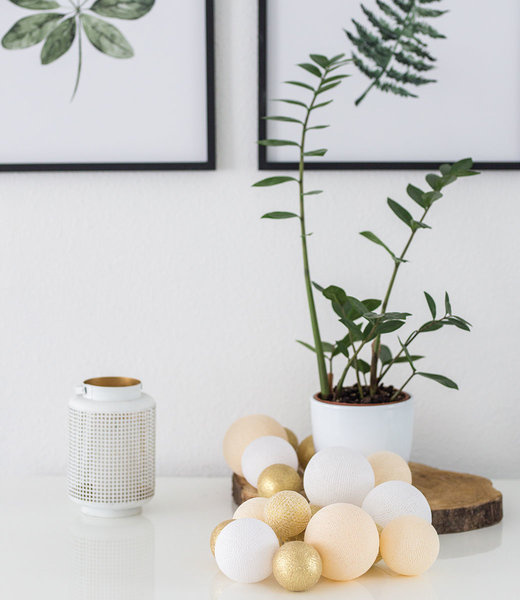 COTTON BALL LIGHTS Inspiration | Living Room | Premium Touch of Gold