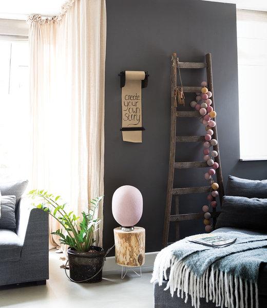 LEDR Inspiration | Wohnzimmer | Kraft Paper Roller M Mix & Match String Light Durian Standing Lamp